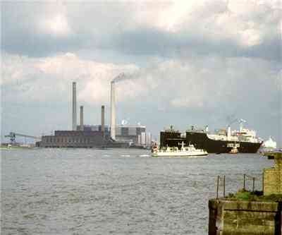 tilbury_coal_power_station_UK