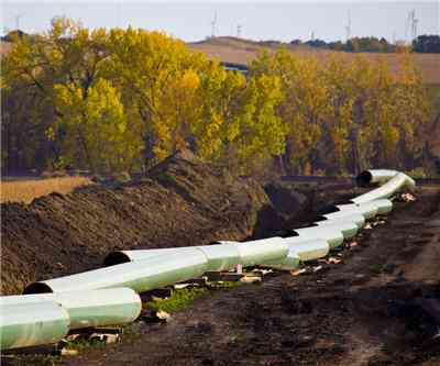 TransCanada going ahead with west-east oil pipeline
