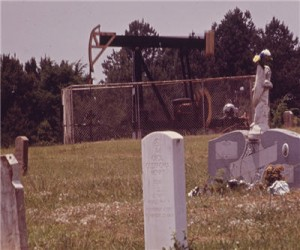 national_archive_oil_derrick_grave_yard