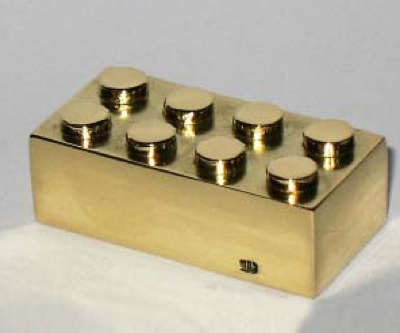 Solid gold LEGO brick sold for $15,000