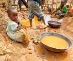 Children risks their lives in Tanzania's gold mines to help families