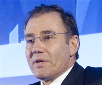 Glencore Xstrata logs $7.4bn net loss as eyes oil deal with Russia