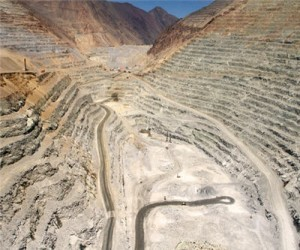 Supply surplus to hit copper prices - Antofagasta CEO