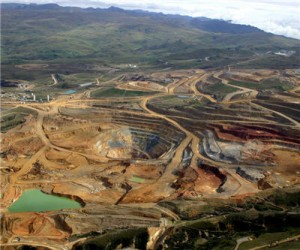 Newmont cuts copper forecasts, gold unchanged