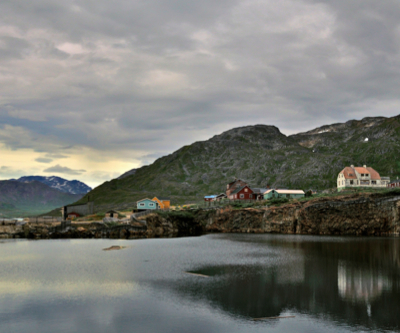 Greenland to revise polemic mining law