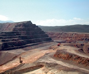 World's largest gold miners put Nevada mine up for sale