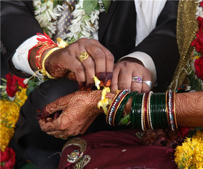 Indian women's commission wants to restrict gold at weddings