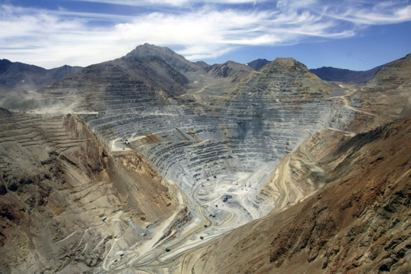 Antofagasta hit by copper slump, will pay big dividend regardless