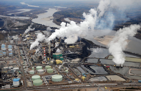Suncor Energy employee dies from severe injuries in oil sands