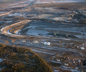 Canadian oil sands economic impact highly overrated: poll