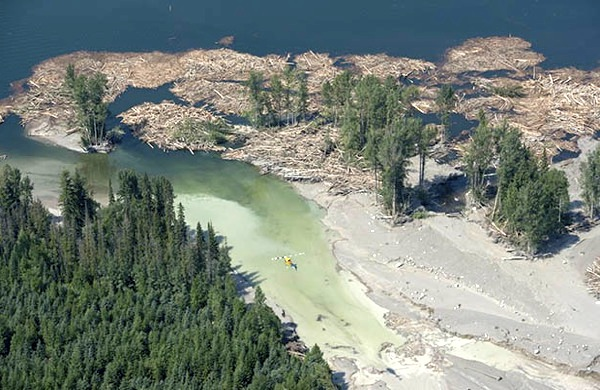 Canada's Mount Polley disaster: experts warned tailings pond 'getting large'