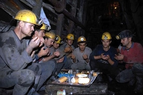 Bosnian coal miners trapped alive after earthquake