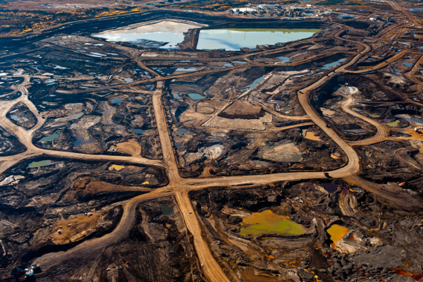 Crude from oil sands not dirty: European Union