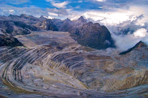 Operations at Freeport Grasberg copper mine remained blocked