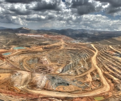 Barrick could lose top spot to Newmont