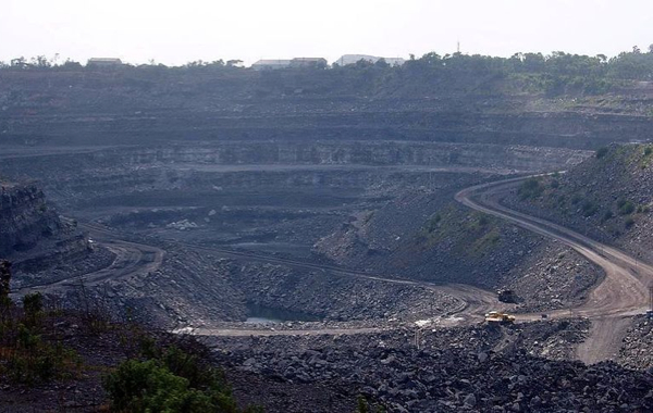 India takes first step to end to state coal monopoly