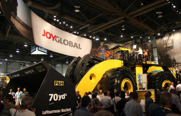 Joy Global beats forecasts, but sees 2015 as another challenging year