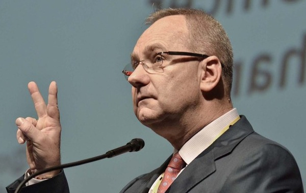 Anglo American mulls sale of more coal mines in Australia