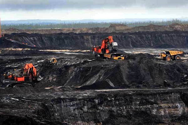 No recession for Alberta, just 'zero growth' as oil price nosedives