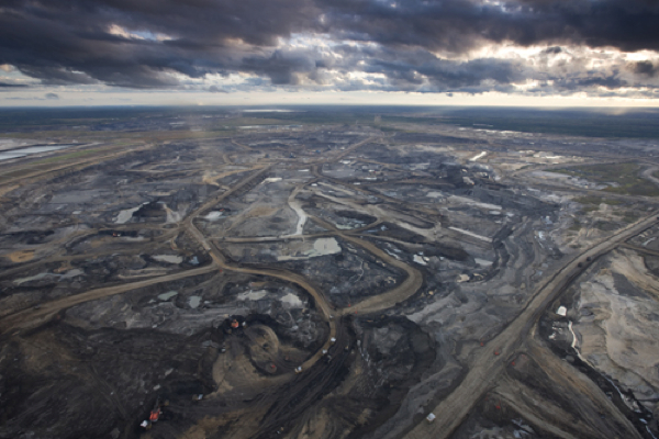 Canada's oil sands cash flows set to drop by $21 billion