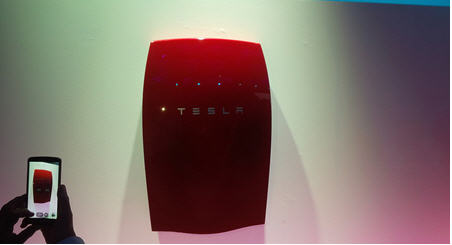 Tesla Wall Battery >> Tesla Evolves With Low Cost Utility Battery Launch Mining Com