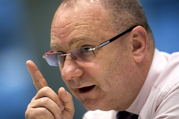 Anglo American likely to cut dividend amid commodities collapse