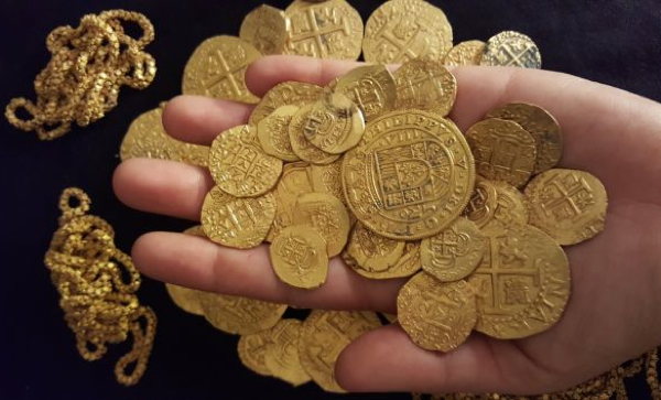 Diver finds $1 million in 300-year-old gold coins off Florida coast