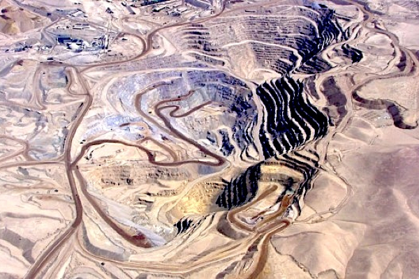 Anglo American sells copper mines in Chile to UK investment firm