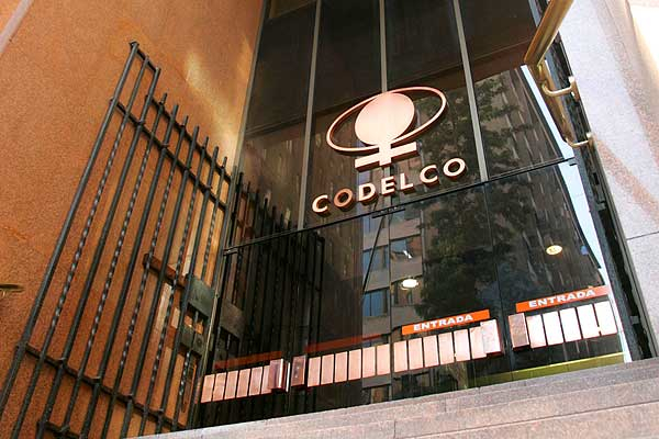 Chile's Codelco to cut top positions in response to weak copper prices
