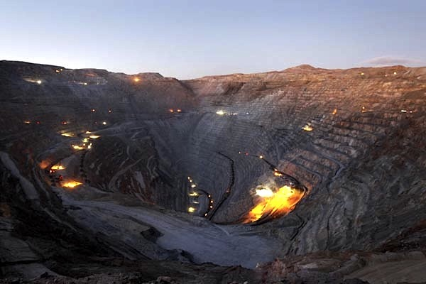 Codelco eyes $600 million in savings, more job cuts as copper in the pits