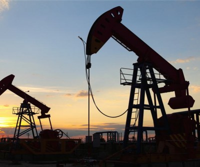 Sustained oil prices rout could hurt Canadian economy — report