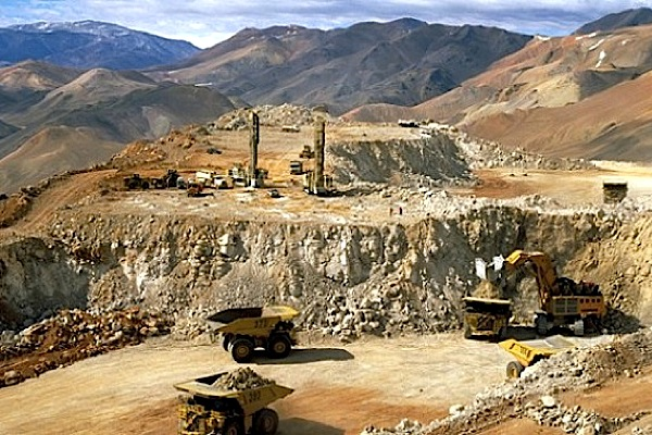 Barrick braces for up to $3 billion in writedowns