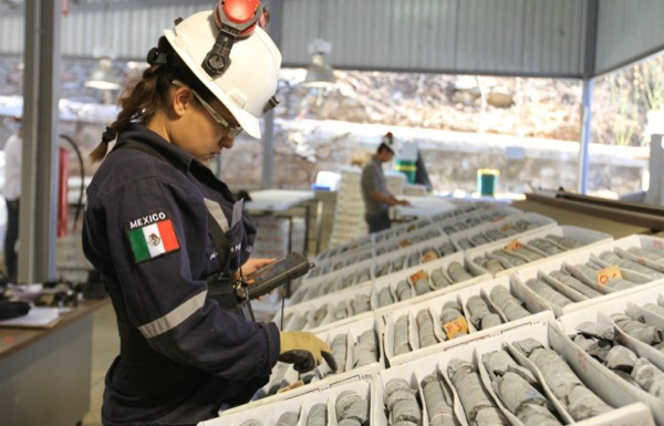 Endeavour silver production above expectations, but gold falls