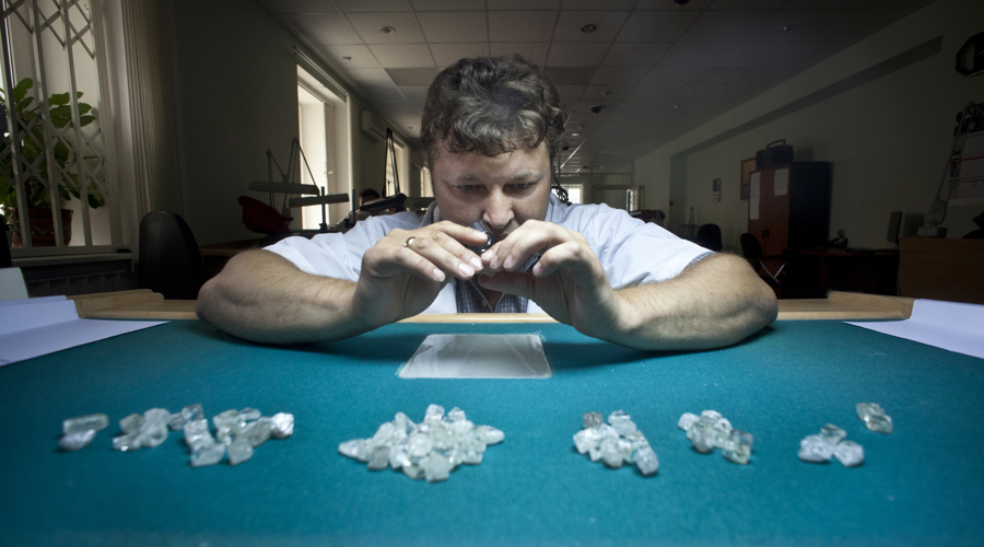 Alrosa's diamond reserves up to 1.108 billion carats this year