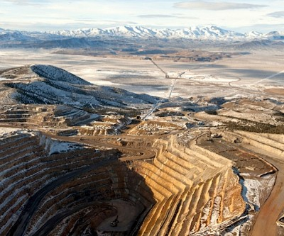 Barrick to spend about $2 billion in US, Peru gold projects