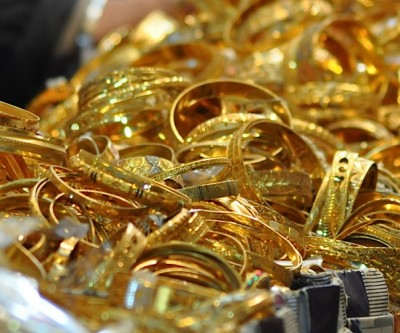 India hikes import tariffs on gold and silver