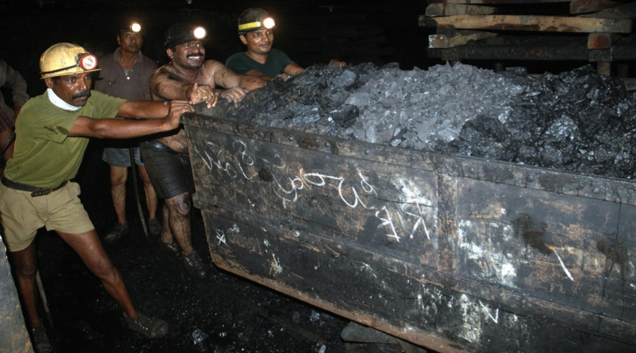 India opens 100 mineral blocks to private companies