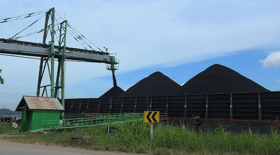 Indonesia president orders ministers to target lower exports of raw coal