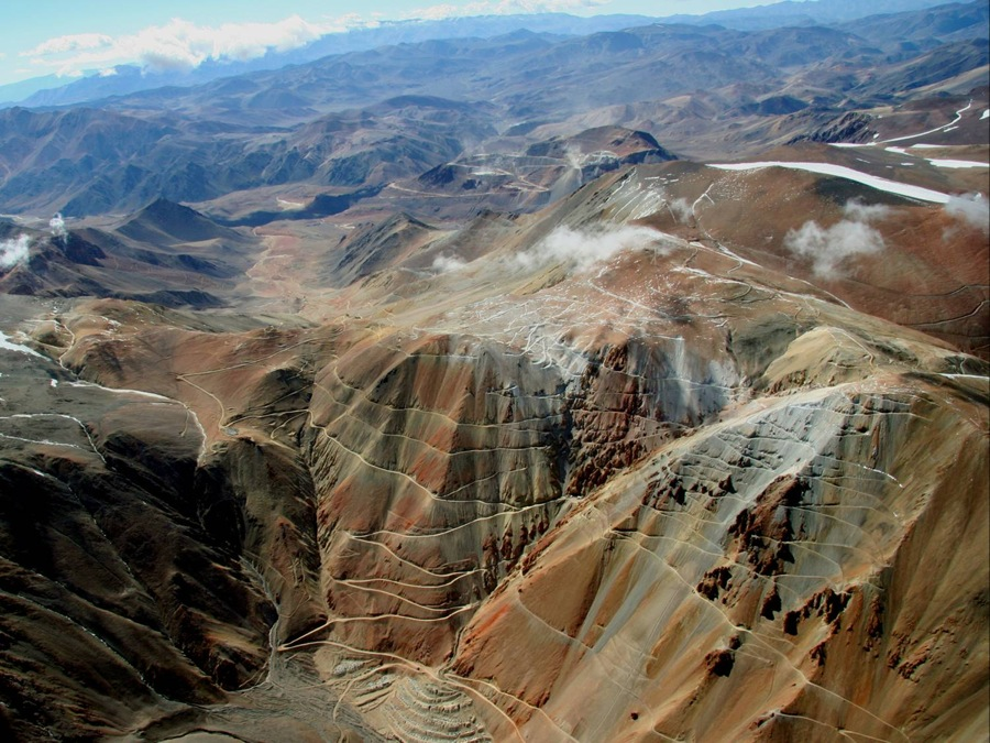 Barrick announces 'drastic revision' of Pascua Lama, may add partner