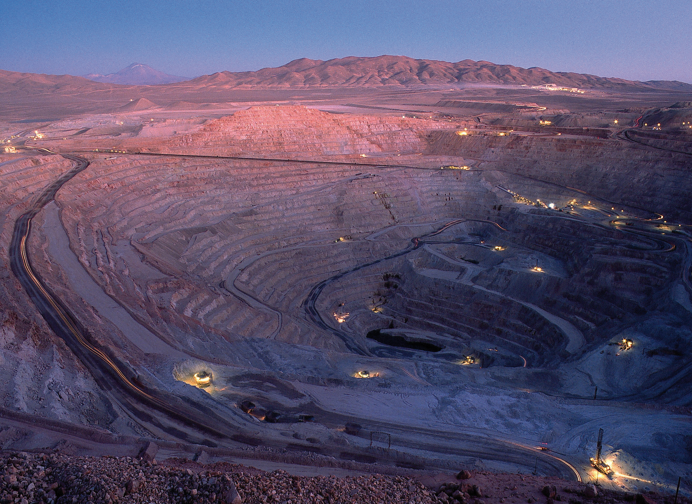Chile helping miners to stay afloat, but threat of labour reform, lower copper prices loom