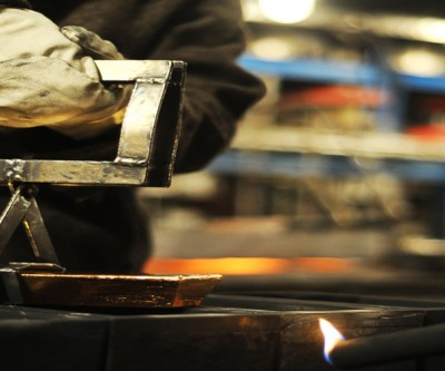 Gold price builds momentum as hedge funds add 36% to bullish bets
