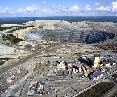 Alrosa boosts output, revenue and forecasts brighter times for the diamond sector