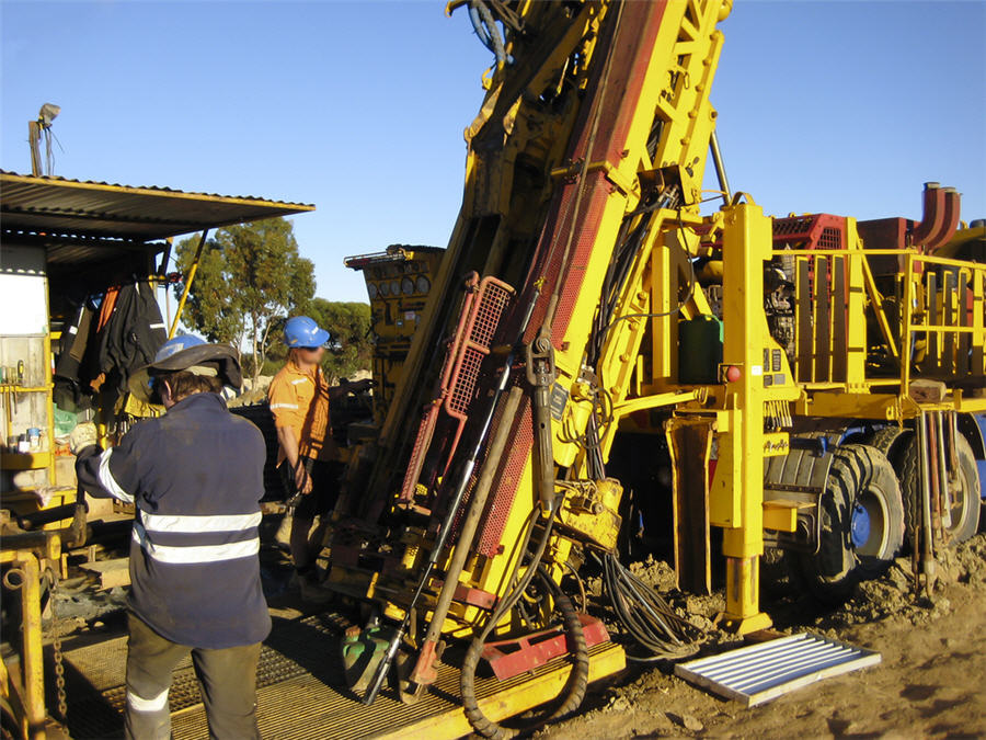Drilling Rig And Other Equipment Mobilises To Vidalita
