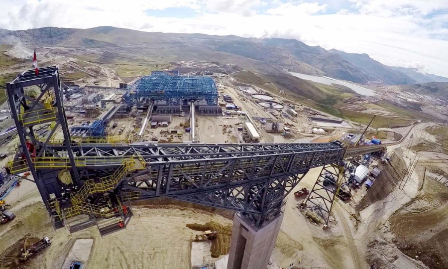 Giant Peru mine blockade lifted after state of emergency