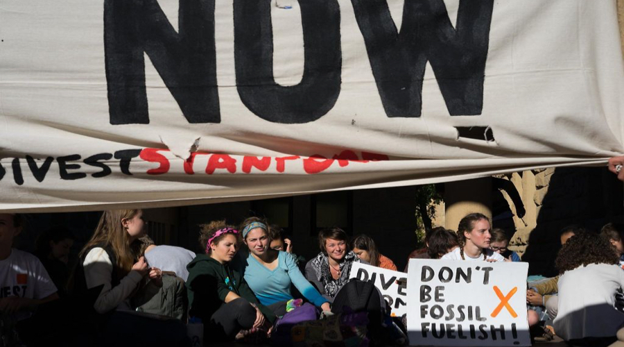 Stanford University decision to keep fossil fuels holdings triggers uproar