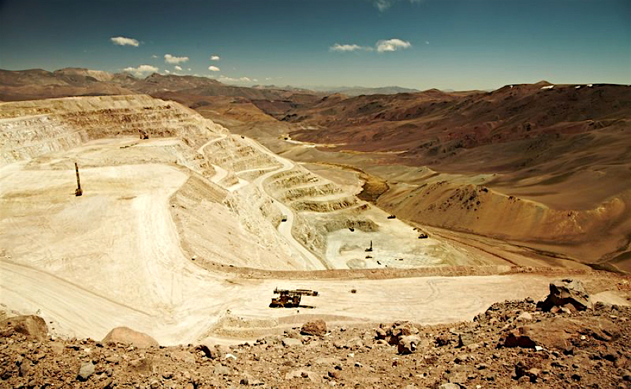 Kinross Gold halts Maricunga mine in Chile, lays off 300 workers