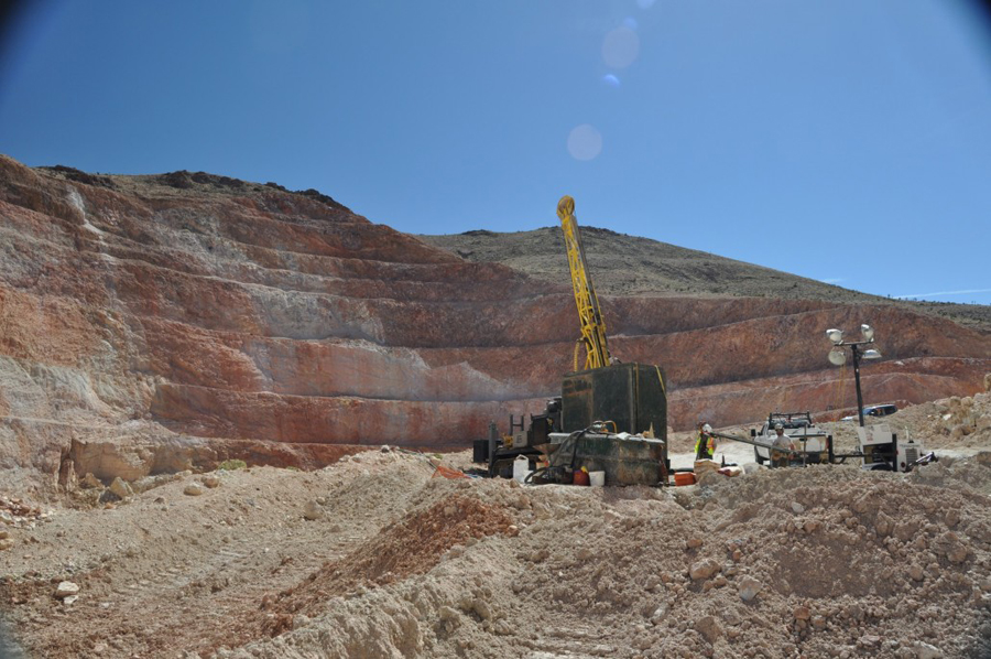 New CEO lifts Newcastle Gold shares