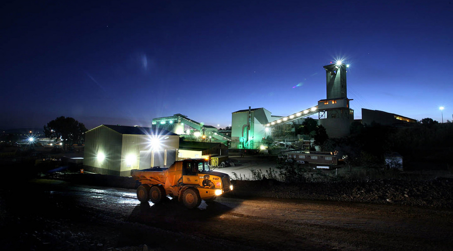 Sibanye logs steep rise in half-year profit, mulls platinum mines future