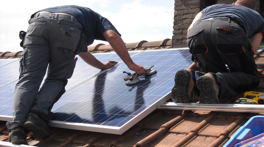 US solar industry hailed as 'light at end of tunnel' for jobless coal miners