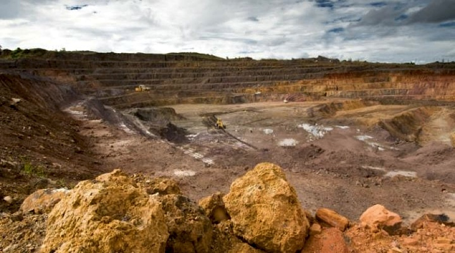 Activists urge Congo government to pass new mining code